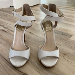 White Vince Camuto 4 in heels - 6